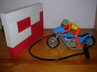 1351 - MECCANO GYRO JET LES MOTARDS ( version le mur )